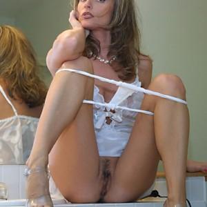 bikini salope salope courbevoie